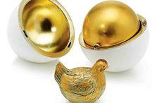 ovos fabergé e joias dos  Czares Russos / Os ovos Fabergé são obras-primas da joalharia produzidas por Peter Carl Fabergé e seus assistentes no período de 1885 a 1917 para os czares da Rússia