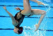 nuoto sincronizzato/synchronized swimming