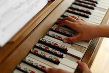 Piano / by Diana Islas