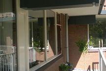 VERKOCHT | Drieoortsput 3 Heerlen / Dit appartement met dubbele liftinstallatie in een appartementencomplex gelegen op loopafstand van voorzieningen zoals openbaar vervoer en wandelgebieden. Belangrijke uitvalswegen liggen in de directe nabijheid.  Een ideaal appartement voor starters met de mogelijkheid het appartement aan te schaffen met Nationale Hypotheek Garantie, waardoor de totale netto maandlasten rond de € 340,- komen te liggen.