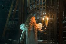 Movie // Crimson Peak / Does she know too much?