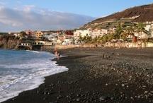 Playas / Playas de arena negra que destacan con toda su originalidad. Piscinas de agua salada, excavadas en roca volcánica
