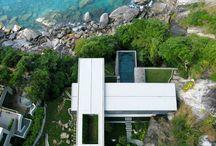 Casas al borde del mar