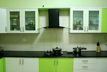 Modular Kitchen Interior Decoration Ideas / Simplest and most appealing way to get that modular kitchen design is to have a compact look with a well-planned designing and furniture arrangements.