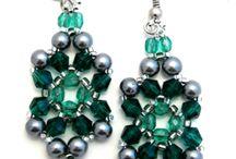 Free jewelry patterns / by Lynn Decker