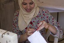 Linge de maison du riad Anyssates / Naima, couturière du riad Anyssates, confectionne aussi bien le linge de Maison, que les tenues du personnel, etc..