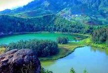 Tour the Telaga Warna Dieng at an altitude of 2000 metres |