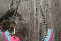 Pärlplattor inspo - Smycken