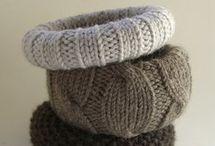 Braccialetti rigidi con lana
