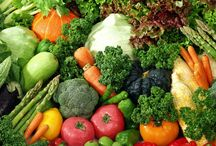 FOOD: VEGETABLES~SUPER FOODS / by Terlyn Strong Dufrene