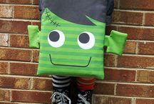 DIY Trick or Treat Bags! / by Eloisa Docton