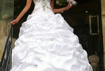 Wedding Dresses / by Brittany Olesen