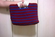 Bolsa de mão / Bolsa feita em fio de malha com duas cores