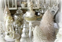 Holiday decorations / Beautiful / by Carmen Avina