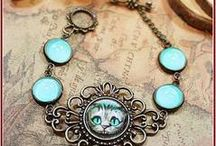 Cat Motif Jewelry & Accessories