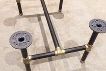 Table fabriquée à partir de tuyaux
