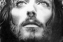Jesus / by Vania Bernardino Dias