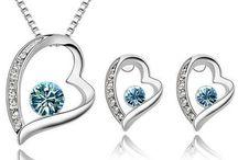 Smyckeset / Smyckeset - vitt guld rosa guld swarovski kristaller och pärlor - http://stanpresenter.se/presenter-till-henne/smycken/smyckeset