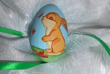 painted eggs / wooden eggs painted for kids