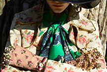 Flower Fashion / We love flowers so much that we will even wear them! Flower Fashion Inspiration.