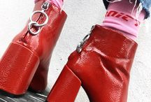 Look w red boot