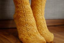 Easy Sock Knitting Patterns / How to knit socks, sock knitting patterns, free sock knitting patterns. / by AllFreeKnitting