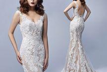Anticipazione Collezioni 2017 / Ti sposi nel 2017? Siamo pronti con le nuove collezioni di abiti da sposa. Prenota il tuo appuntamento in atelier!