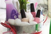 Easter Baskets with a Spa Twist / Easter Basket Ideas for Teens and Tweens!  What could be more fun that creating an Easter Basket yourself with lot of clever DIY ideas!
