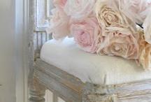 Pastel Wedding Details / pastel colour wedding details, from dresses to favours.