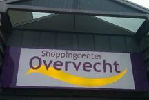 Utrecht - Overvecht / Utrecht - Overvecht. Benoeming tot 'Vogelaarwijk' heeft Overvecht geen kwaad gedaan. Was altijd al een groene wijk en wordt nu (weer) een leuke wijk.