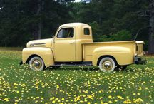 Vintage Trucks / I'd love to take one on a long, long road trip across the country...