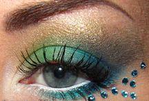 Make Up / by Carmen Gali