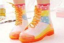 Color Bootz / Tüm dünyada modanın yeni çılgınlığı olarak anılan Color Bootz şimdi Bonvagon'da sizlerle buluşuyor
