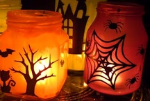 DIY Halloween / Do-it-yourself projects to make Halloween home decor and crafts.