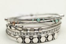 Bracelets I Like / All the bracelets I think are awesome ! / by Lisa Carter