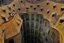 Arquitectos y artistas / Gaudi