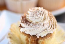 Cupcakes / by Ellysa Dagen