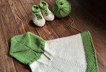 Poncho e scarpine bimbi / Nostri lavori realizzati in pura lana per i più piccoli