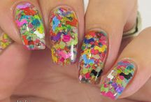 A Weekly Dose of Rainbows / Themed rainbow manis from members of the A Weekly Dose of Rainbows group.