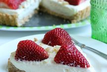 Food - Dessert - Pies/Tarts & Cheesecake / by Nancy Schultze