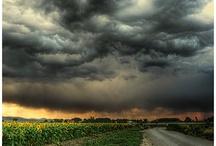 Thunderstorms / Tormentas / Thunderstorms, necessary to balance the air we breathe, to make it pleasant. / Tormentas, son necesarias para balancear nuestro aire y ambiente.