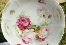 antique serving bowls