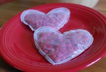 Valentine's Day Ideas / Pins for homemade Valentine's cards and party ideas.