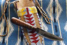 Native / Indianische Kleidung und Gebrauchsgegenstände