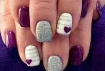nails / by Aja Garvanian