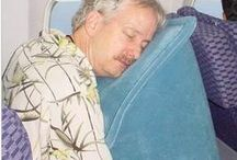"Skyrest Travel Pillow / Already 100000's of satisfied customers 20 ounces and highly portable Easy inflation/deflation: one-way inflation valve prevents air loss in between puffs; remove air valve for easy deflation One-size is comfortable for folks from 4'10"" to 6'6"""