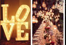 Oświetlenie przyjęcia w plenerze / Organizujecie wesele w plenerze? A może kameralne przyjęcie w ogrodzie? Przygotowaliśmy dla Was garść inspiracji jak pięknie rozświetlić Waszą imprezę i dodać jej niezapomnianego szyku!