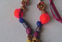 Jewerly handmade - La Valigia Apuà / Collane sculture e accessori vari in vari materiali http://lavaligiaapua.blogspot.com