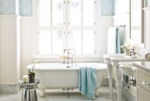 Bathrooms / by Jenny Free