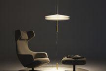 Függesztett állólámpák / A függesztett állólámpák igazán különleges újdonságok a lámpatestek világában! Egészen különleges, formabontó darabok is vannak ilyen kivitelben, úgy mint például ezek a lámpák. Info: lustre.hu/kulonleges-lampak/fuggesztett-allolampak/